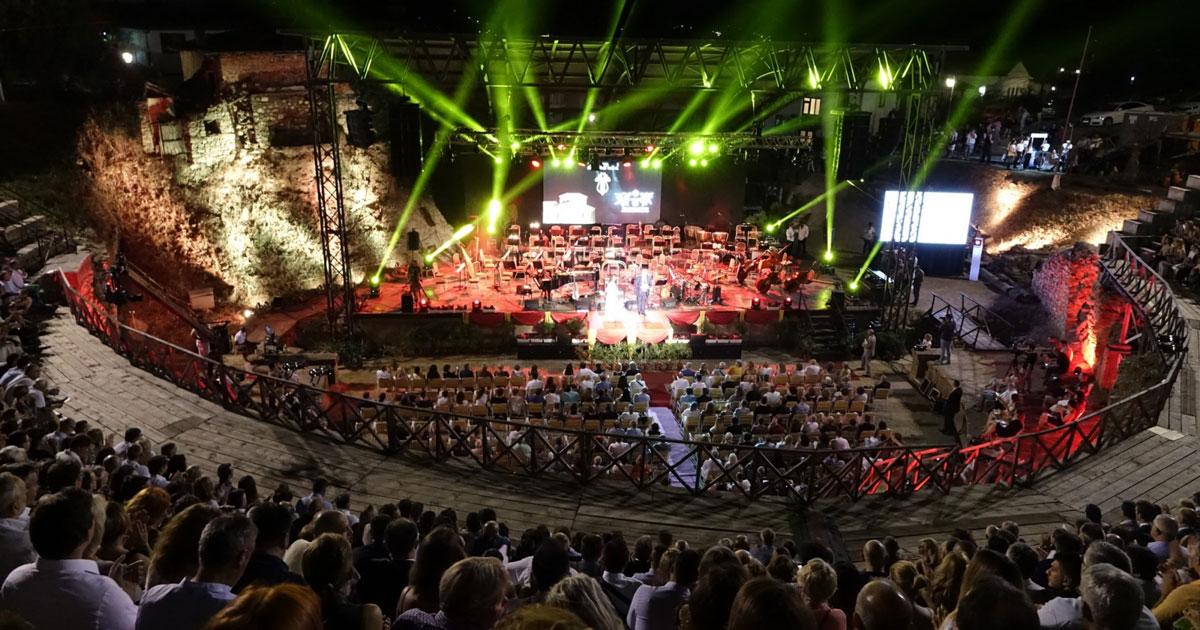 """Охридско лето"""" меѓу најдобрите на европската културна сцена - PLUS ..."""